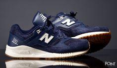 Zapatillas New Balance M530 AAE, ya tenemos disponibles los nuevos colorways para este #OtoñoInvierno2015 del modelo de zapatillas #NewBalanceM530, en esta ocasión #NewBalance lo presenta en color azul marino con detalles en blanco roto, visita nuestra #tiendaonline de #sneakers #ThePoint y hazte con ellas, http://www.thepoint.es/es/zapatillas-new-balance/1403-zapatillas-hombre-new-balance-m530-aae.html