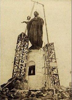 Enterreno | Fotos históricas de Chile Old Pictures, Statue Of Liberty, Explore, Travel, Chili, Vintage Photography, Saint Christopher, Moving Wallpapers, B W Photos