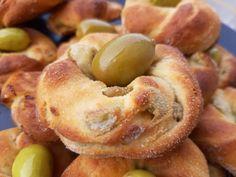Ελιοκούλουρα - Elpidas Little Corner Greek Recipes, Wine Recipes, Snack Recipes, Cooking Recipes, Snacks, Greek Pastries, Bread And Pastries, Health Diet, Cupcake Cakes