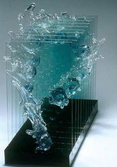 The movement is fascinating...*Con Brio I, 1988 from Play The Glass series by Hiromi Masuda (Japanese) Arte 3d, My Glass, Blown Glass, Fused Glass, Stained Glass, Glass Art, Objet D'art, Amazing Art, Ocean Waves