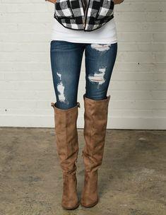 Denim, Distressed Denim, Jeans, Online Shopping, Online Boutique, Fashion, Utah Boutique, Womens clothing, Modern Vintage Boutique, Style, Fashion Blogger