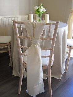 Limewash Chiavari Chairs Wedding X Rocker Gaming Chair Power Cable Look Great With A Neutral Colour Theme Ivory Rose Pad Cover On