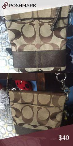 Coach bag Brown Crossbody bag, good condition. Adjustable tan strap. Coach Bags Crossbody Bags