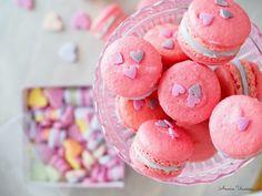 Vadelma Macaron -leivokset Ystävälle | Annin Uunissa No Bake Cookies, Baking Cookies, Pink Love, Macarons, Love Food, Valentines Day, Candy, Instagram Posts, Desserts