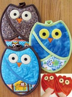 Sewing Projects Who Owl Pot Holders Pattern: - These cute pot holders are quick and easy to make, and are functional as well. The pot holders are lined with insul bright, and once sewn they form a pocke Potholder Patterns, Owl Patterns, Quilt Patterns, Owl Quilt Pattern, Sewing Hacks, Sewing Tutorials, Sewing Tips, Sewing Basics, Craft Tutorials