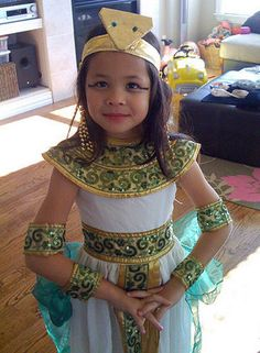 How to Make a Cleopatra Costume Check out your local Goodwill for all of your Halloween shopping shop - 26 Fresh Egyptian Costume Diy Concept