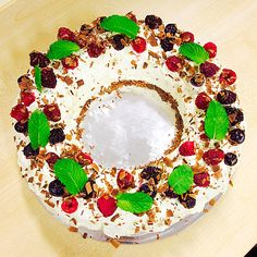 Choc ripple cake is an iconic Australian dessert for both its simplicity and its taste. The softening of Arnotts Choc Ripple cookies against the whipped cream is essentially a cookies and cream tre… Christmas Cheesecake, Christmas Cake Pops, Christmas Lunch, Christmas Chocolate, Christmas Sweets, Christmas Cooking, Christmas Recipes, Christmas Foods, Christmas 2019