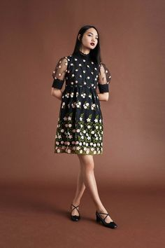See the complete Orla Kiely Resort 2018 collection.