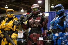 Awesome Halo Spartan cosplays...I would be Tex from RVB :)