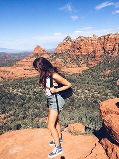 Hiking the rocks #sedona #arizona #travel #summer #vans #jeeps #rocks