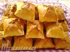 Gombás-krémsajtos, töltött batyu recept Snack Recipes, Snacks, Chips, Sweets, Cookies, Food, Gourmet, Snack Mix Recipes, Crack Crackers