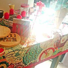 Viste tu #mesa con este #mantel, le dará un aire elegante a tu #salón ;) Encuentralo en www.differentshop.es/manteles-y-caminos/129-japonesa.html