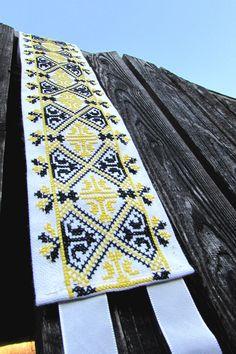 Vigan, Floral Tie, Folk, Quilts, Accessories, Popular, Quilt Sets, Forks, Folk Music