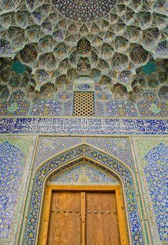 """Sheikh-lotfollah"""" Mosque Isfahan Iran"""