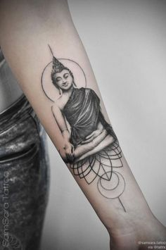 If you're planning to get a Buddha tattoo design, you've come to the best place. We have the best & most beautiful Buddha tattoos for inspiration. Tattoos 3d, Yoga Tattoos, Neue Tattoos, Trendy Tattoos, Popular Tattoos, Body Art Tattoos, Hand Tattoos, Sleeve Tattoos, Tattoos For Guys