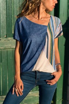 Colorful stripes with contrasting collars T-shirts Sewing Clothes, Diy Clothes, Diy Mode, Contrast Collar, Schneider, Corsage, Refashion, Shirt Style, Casual Shirts