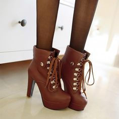 Fashion Round Toe Lace Up Thick High-heeled Martin Boots Booties