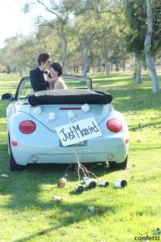 Love this classic, yet sweet getaway car decor!