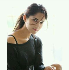 Latest Top HD Stills of Samantha Beautiful Girl Photo, Beautiful Girl Indian, Most Beautiful Indian Actress, Beautiful Ladies, Most Beautiful Faces, Beautiful Celebrities, Beautiful Actresses, Cute Beauty, Beauty Full Girl