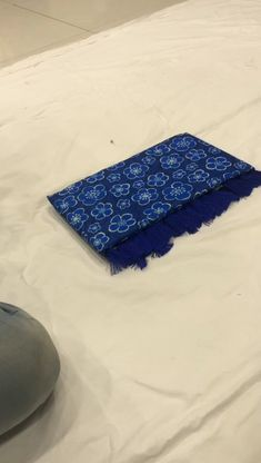Silk Sarees With Price, Silk Sarees Online, Designer Sarees Collection, Saree Collection, Saree Shopping, Blue Saree, Sari Fabric, Printed Linen, Indian Beauty Saree