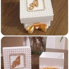 Lembrancinhas personalizadas, para casamentos, batizados e etc. #atelie #ateliearteeencantos #casamento #caixinhaspersonalizadas #lembrancinhas #JJL ##mdf #festas #presentesparapadrinhos