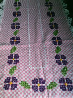 Cantinho da Jana: Caminho de mesa de xadrez Bordado Tipo Chicken Scratch, Labor, Cross Stitching, Hand Embroidery, Diy And Crafts, Quilts, Blanket, Crochet, Fabric