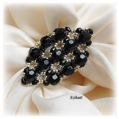 Facilement anneau noir et argent OOAK par Szikati sur Etsy, $25.00