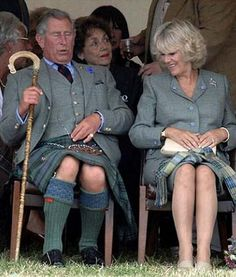 Prince Charles Wearing a Kilt The 10 Most Hilarious Pictures Of The Royal Family – BoredBug Prince Charles And Diana, Prinz Charles, Camilla Duchess Of Cornwall, Camilla Parker Bowles, British Royal Families, New Girlfriend, Thing 1, Prince Of Wales, Royal Fashion