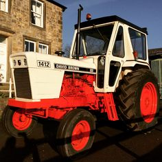 David Brown a beautiful piece of British engineering. Starts first time and runs well! Classic Tractor, Vintage Tractors, Case Ih, Jeep Truck, Rolls Royce, Monster Trucks, Engineering, Childhood, British