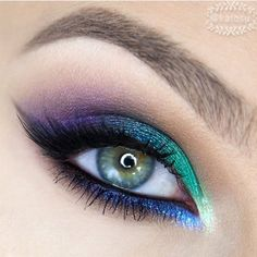 How stunning is this look by @katosu I love the combo of colors! She used Makeup Geek foiled shadows in Houdini and Caitlin Rose Beautiful job @katosu !! #makeupgeek