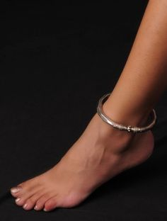 Hammered Sterling Silver Anklet (Inner Diameter - 3in)