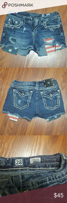 Miss Me shorts with long American flag pockets In great condition and very cute. Miss Me Shorts Jean Shorts