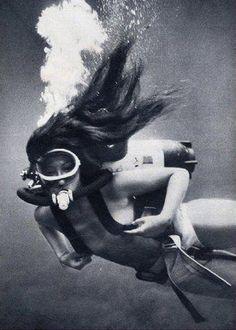 Diving women.