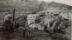Obras de construcción del pantano del Cubillas en 1935. Torres Molina/Archivo de IDEAL Granada, Cuba, Mount Rushmore, Mountains, Nature, Travel, Outdoor, Vintage Postcards, Antique Photos