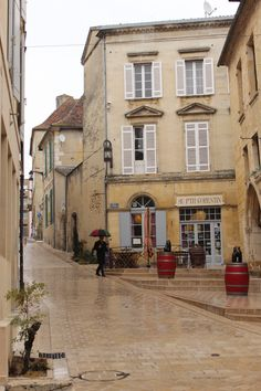 A rainy day in Bergerac, France