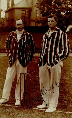 Striped cricket blazer - helps indicate team belonging.