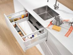 Stop losing precious storage space and say hello to our game changing u-shaped sink drawer 👌 Hide away all your cleaning supplies and impress everyone with this awesome looking drawer! Kitchen Cabinets Brands, Kitchen Cabinet Hardware, Kitchen Organisation, Home Organization Hacks, Organizing, Closed Kitchen, Sink Units, Sink Taps, Undermount Sink
