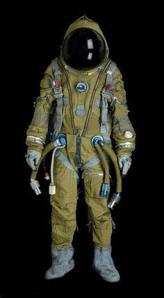 Soviet and American Space Suits For Sale at This Other-Worldly Auction