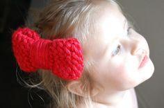 Hello Kitty Loom Knit Bow