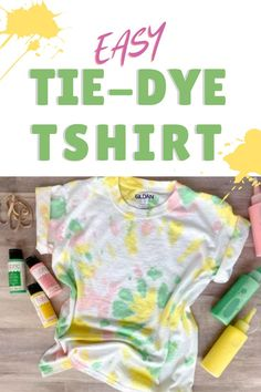 Make a tie dye t-shirt using fabric ink that's machine washable and nontoxic. #tiedye #fabrics #crafts #familycrafs #kidscrafts #style #fashion #diyfashion #diytshirts #fabricink