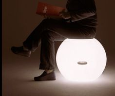 Zzzidt by Richard Hutten for NgispeN, is a lamp and a seat.