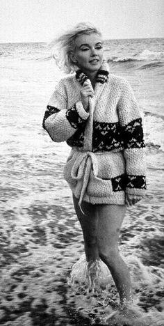 Marilyn at Santa Monica Beach. Photo by George Barris, 1962.