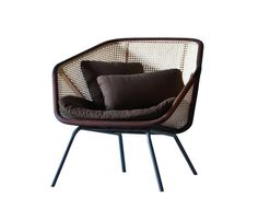 The snug structure and the lightness of the Vienna straw characterizes this solid and comfortable armchair, available with a wide range of colours and materials that make it versatile and modern. With…