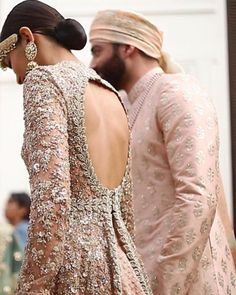 Haute spot for Indian Outfits. Pakistani Wedding Dresses, Indian Wedding Outfits, Pakistani Bridal, Bridal Outfits, Indian Dresses, Indian Outfits, Bridal Dresses, Bridal Lehenga, Eid Outfits