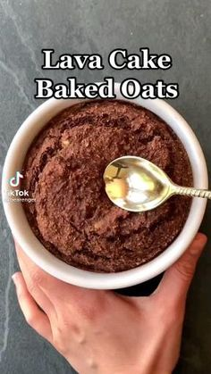 Healthy Cake Recipes, Healthy Sweets, Sweets Recipes, Healthy Baking, Whole Food Recipes, Healthy Snacks, Cooking Recipes, Baked Oats, Vegan Snacks