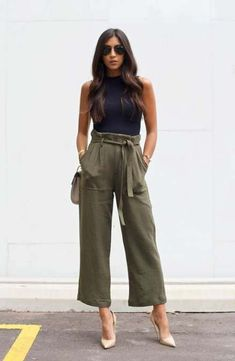 palazzo kaki outfit printemps Source by Alzaaaky outfits Kaki Outfits, Outfits Mujer, Spring Outfits, Casual Outfits, Fashion Outfits, Party Outfits, Fashion Tips, Fashion 2018, Trendy Fashion