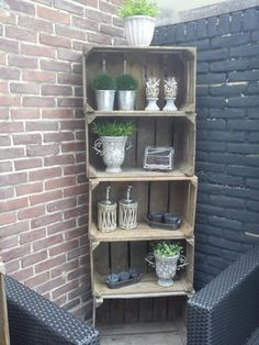 12 DIY craft ideas, what you can do with old wooden boxes! - 12 DIY craft ideas, what you can do with old wooden boxes! – DIY craft ideas … 12 DIY craft ideas, what you can do with old wooden boxes! Barbacoa Jardin, Wooden Crafts, Diy Crafts, Crate Crafts, Old Wooden Boxes, Wood Boxes, Recycled Garden, Garden Types, Wood Crates