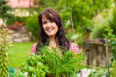 10 Must Have Medicinal Herbs