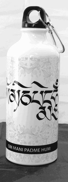 Botella para agua 600 ml con el mantra OM MANI PADME HUM.  De la colección de Blessings - Spirit & Mind