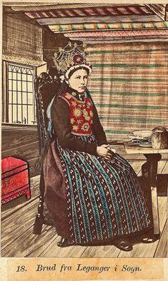 Norwegian Sunday: Bridal Crowns – Part V, Photography German Folk, Folk Costume, Costumes, Bridal Crown, Antique Photos, Woman Painting, Historical Clothing, Art Sketchbook, Bergen